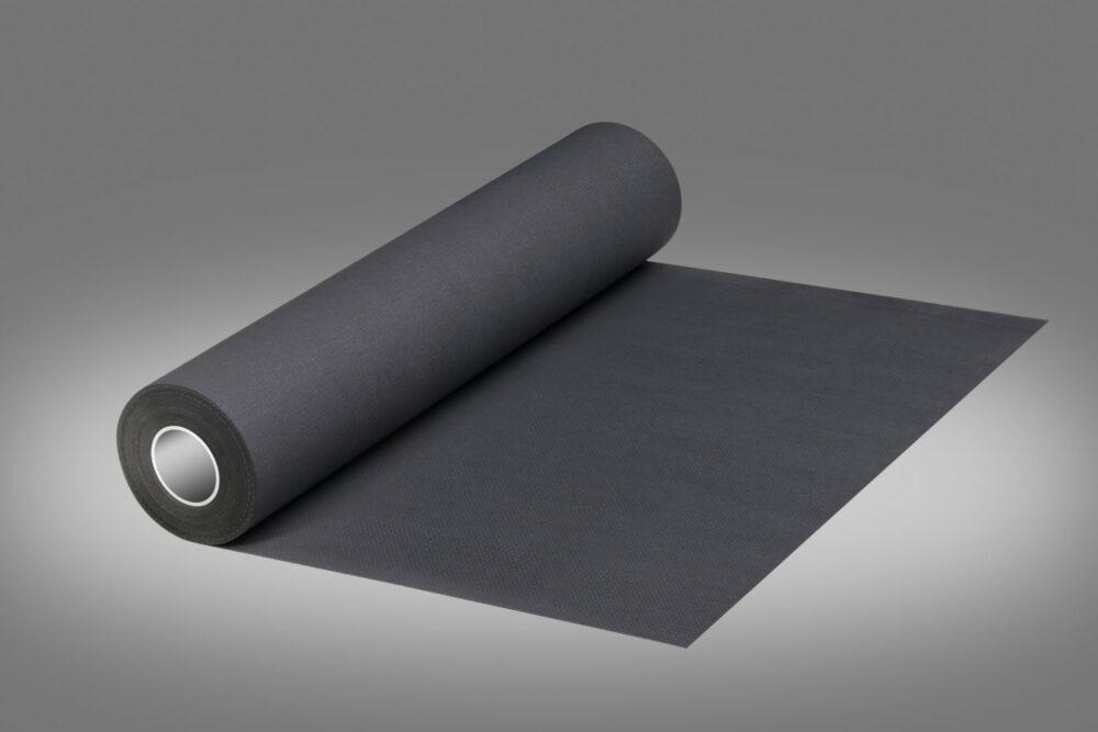 Podkład higieniczny w kolorze czarnym.